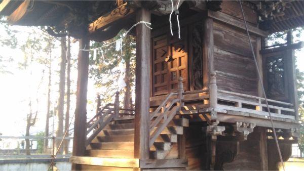 義清神社本殿の母屋