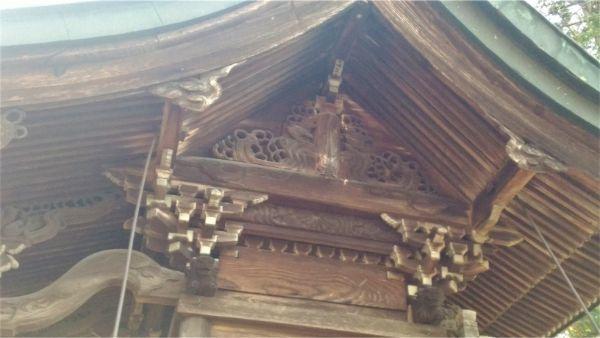 義清神社本殿の妻壁