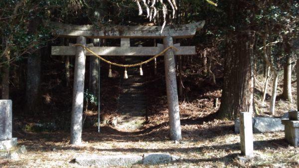 八柱神社の境内入口
