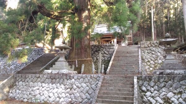 八柱神社の石垣