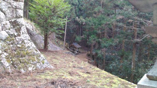八柱神社の手水舎