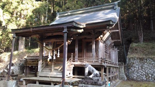 八柱神社拝殿