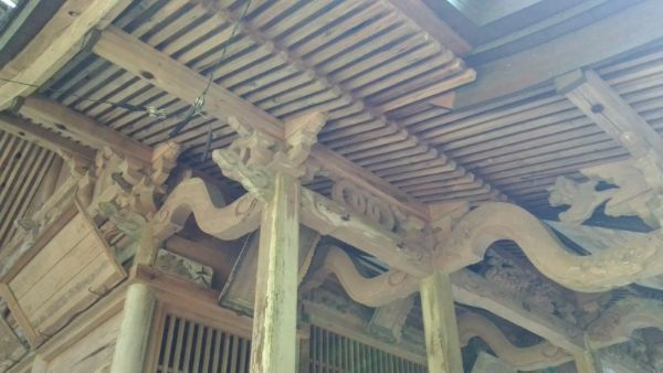 八柱神社拝殿の外陣