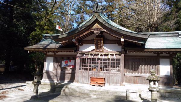 足助神社の拝殿