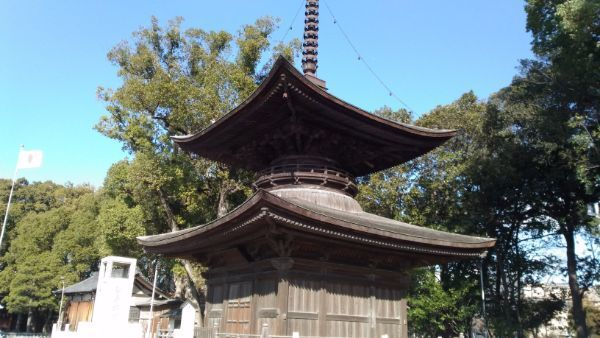 知立神社の多宝塔