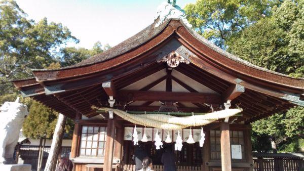 知立神社拝殿の向拝