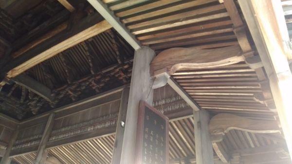 定光寺本堂の内部