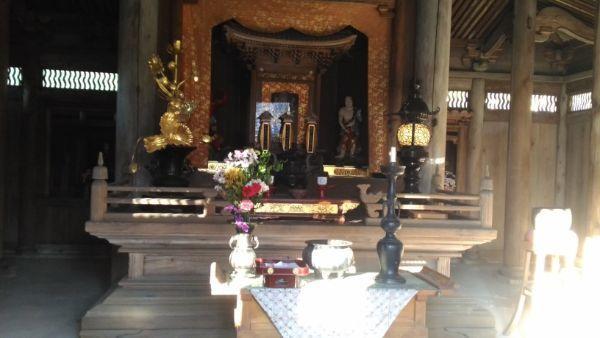 定光寺本堂の須弥壇