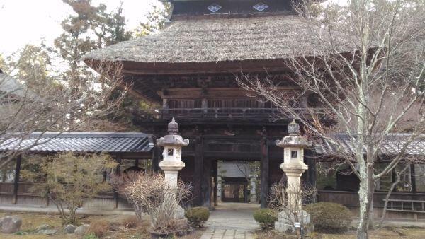貞祥寺山門背面