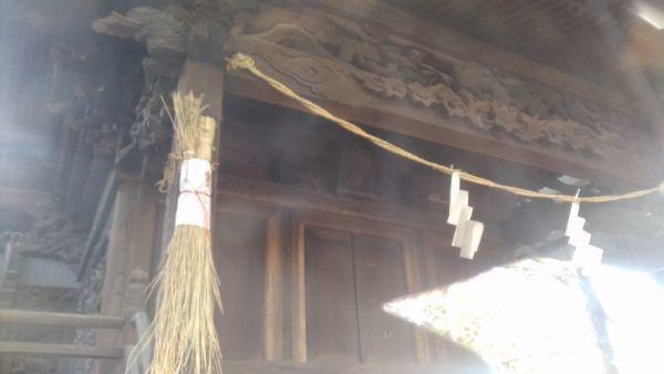 平賀神社本殿の向拝