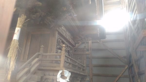 平賀神社本殿の側面