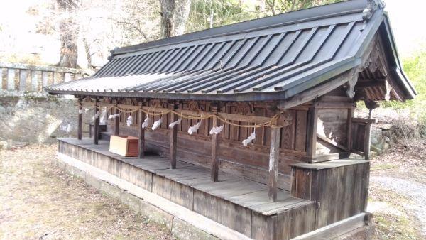 新海三社神社の東十二社