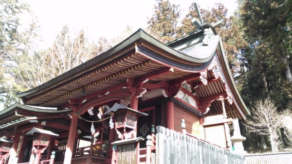 新海三社神社中本社