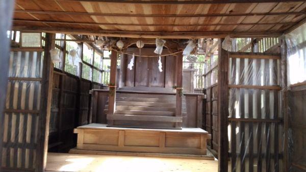 平林神社の拝殿の内部