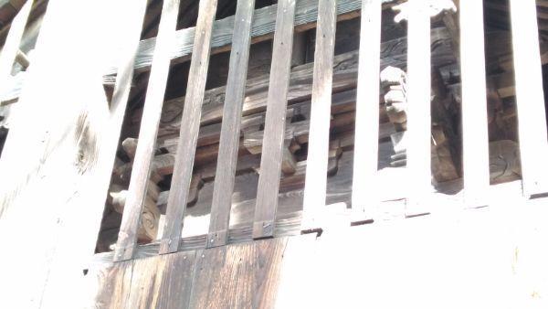 平林神社本殿の妻壁