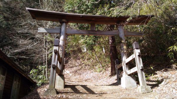 諏訪神社の二の鳥居