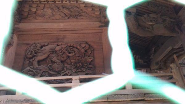 諏訪神社本殿左側面