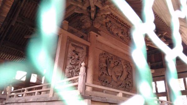 諏訪神社本殿背面