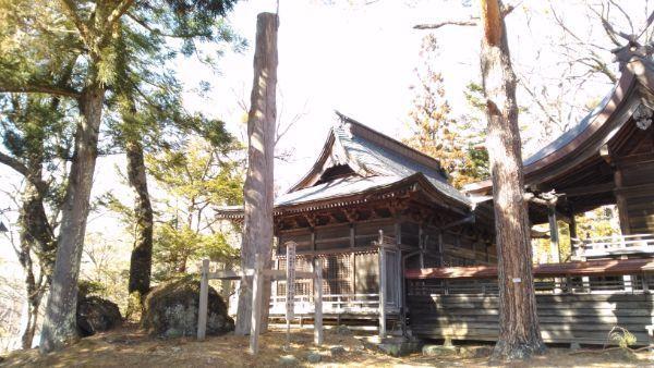 松原諏方神社の御柱