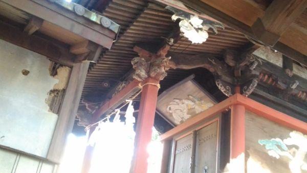 住吉神社本殿の向拝