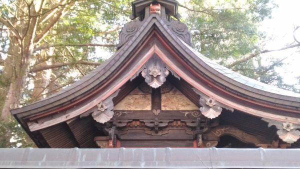 住吉神社本殿の破風