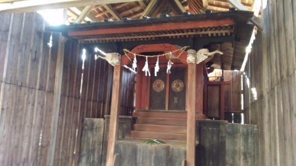 金峰山社本殿