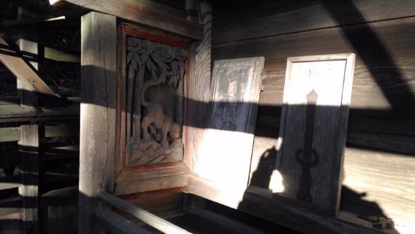 日吉神社本殿の左側面