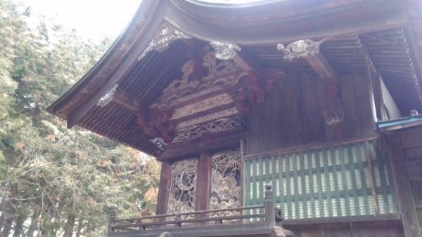 熱那神社本殿の左側面
