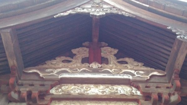 熱那神社本殿の妻壁