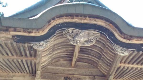 穂見神社神楽殿の唐破風