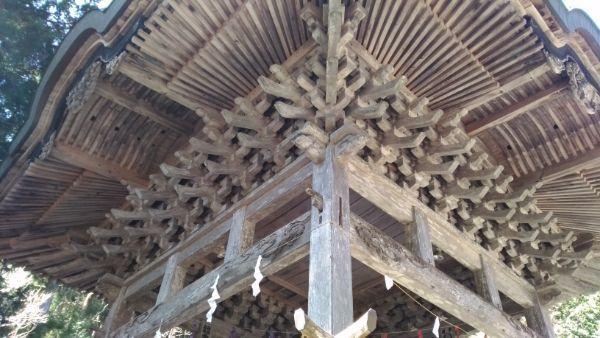 穂見神社神楽殿の軒裏