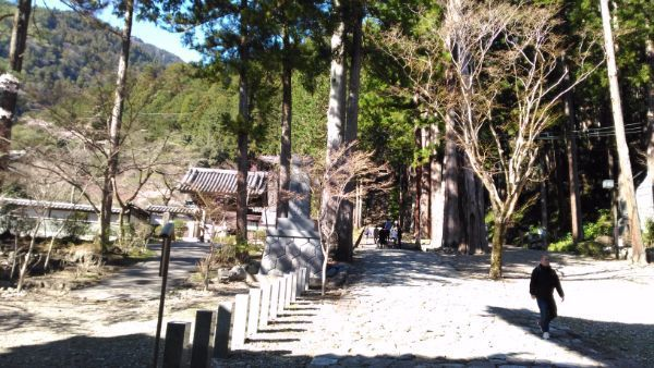 久遠寺の参道