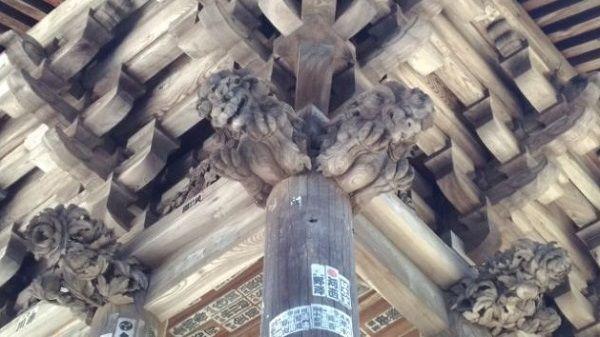 鐘楼の木鼻