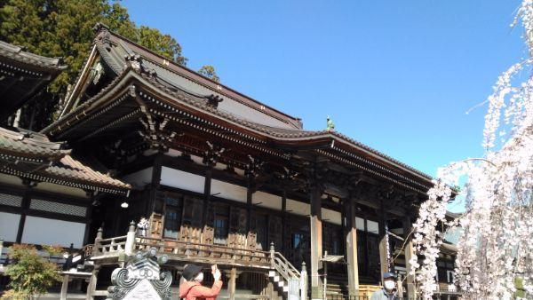 久遠寺仏殿