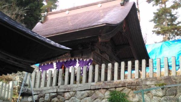 蚊里田八幡宮本殿の覆い屋