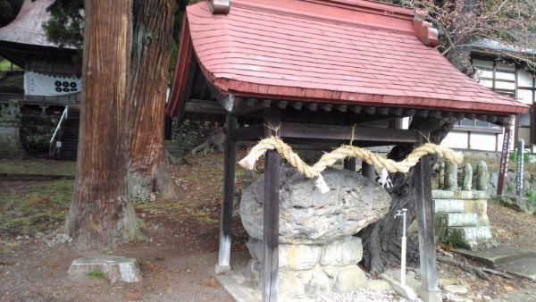 葛山落合神社の手水舎