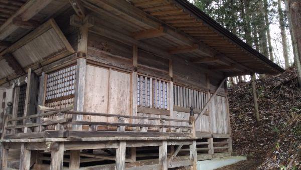 火之御子社社殿の側面
