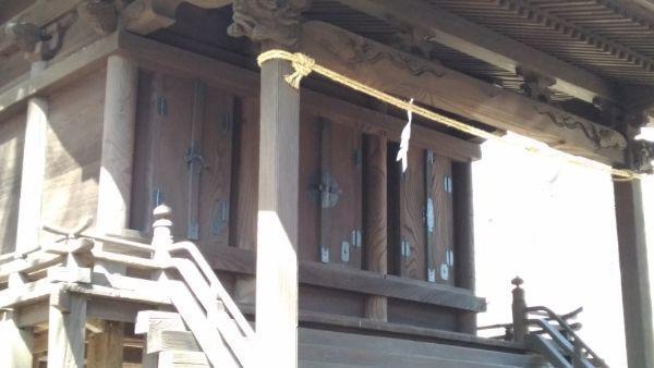 布制神社本殿の向拝