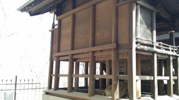 布制神社本殿の背面