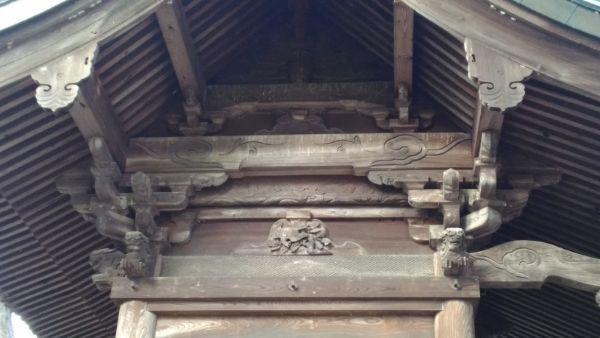 治田神社本殿の妻壁