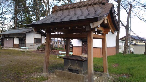 治田神社の手水舎