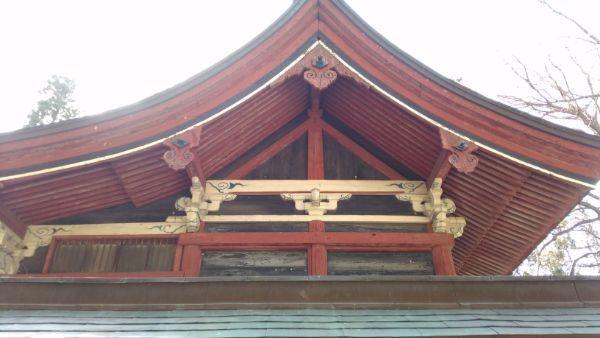 佐良志奈神社本殿の右側面