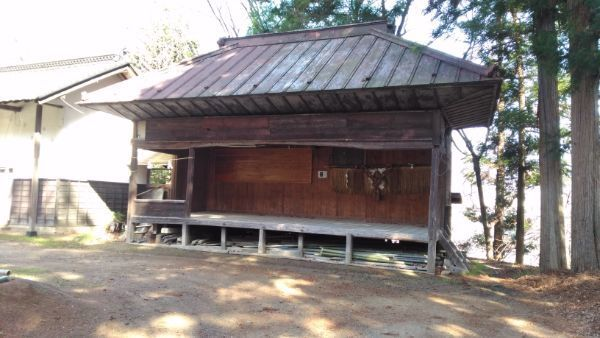波閇科神社の神楽殿