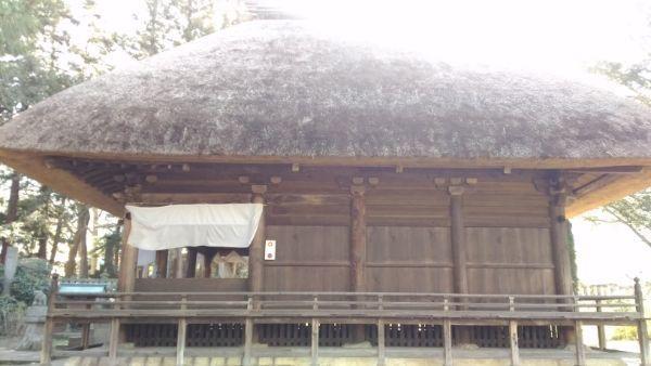 智識寺大御堂の右側面