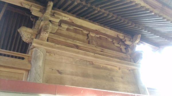 坂城神社本殿の背面軒下