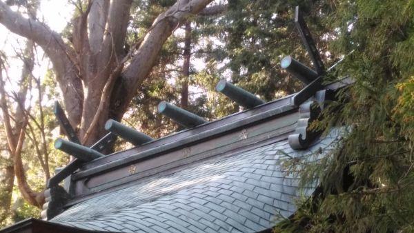 坂城神社本殿の屋根
