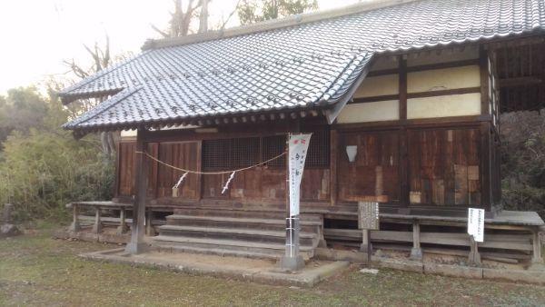 東條健代神社の拝殿