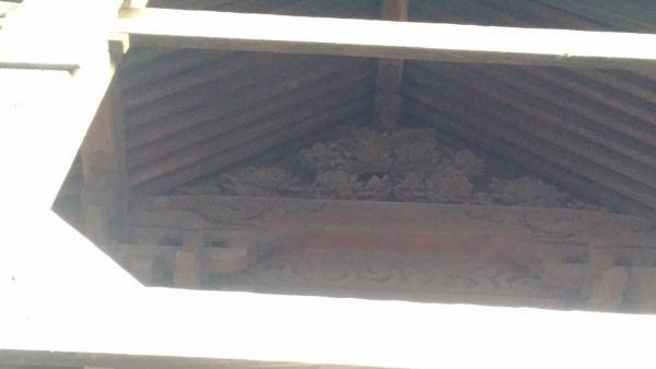 荒神宮本殿の妻壁