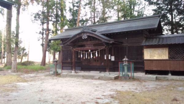 川会神社拝殿