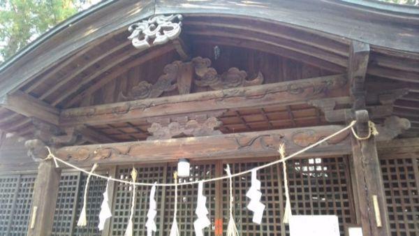 川会神社拝殿の向拝